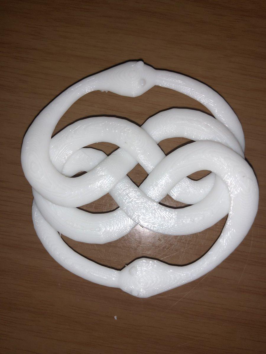 So, progress was made on getting my 3D printer working right... <br>http://pic.twitter.com/kkmQkfFHEM