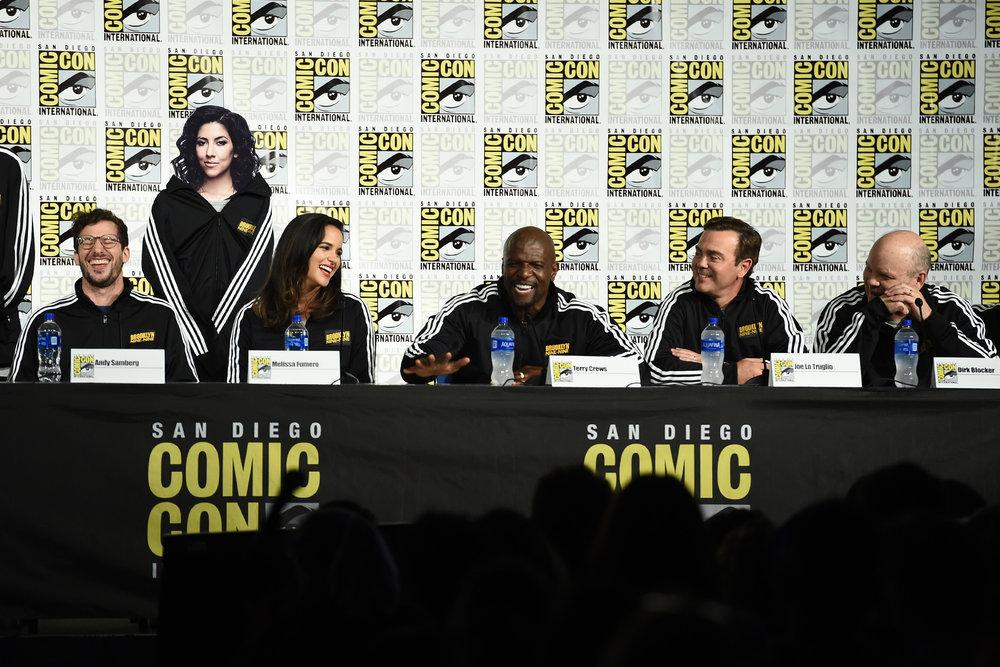 PHOTOS l Brooklyn Nine-Nine SDCC panel yesterday (Via ibb.co/album/hVLNFa)