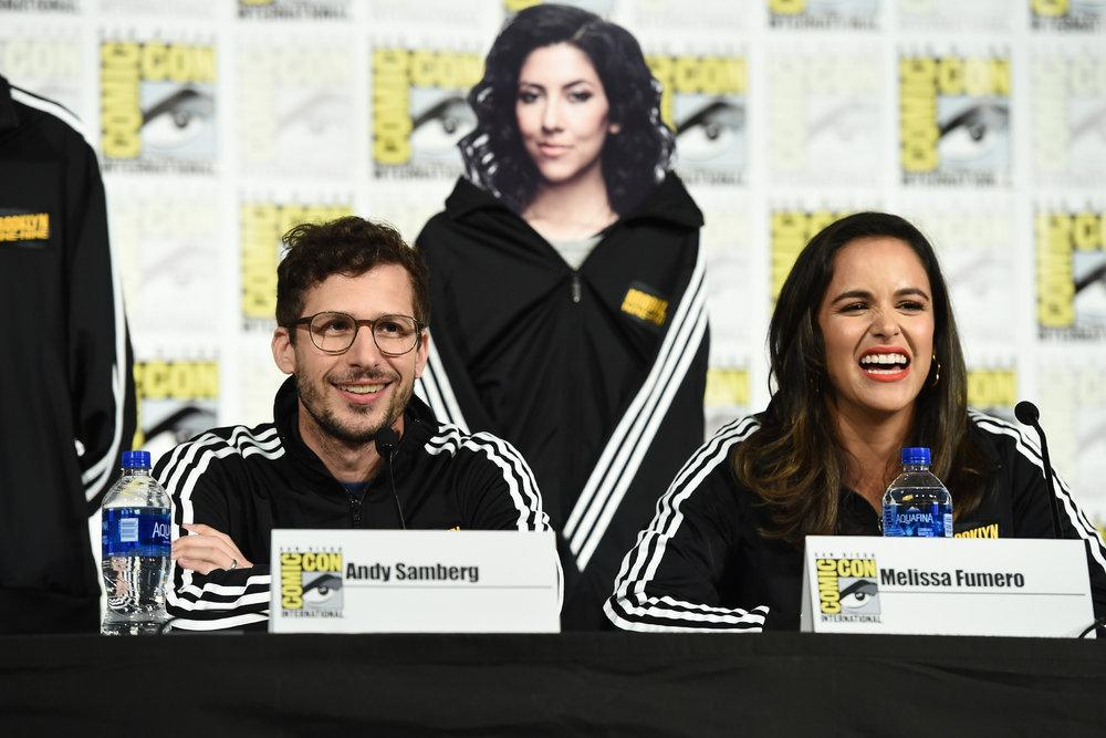 PHOTOS l Brooklyn Nine-Nine Comic Con panel yesterday (Via ibb.co/album/hVLNFa)