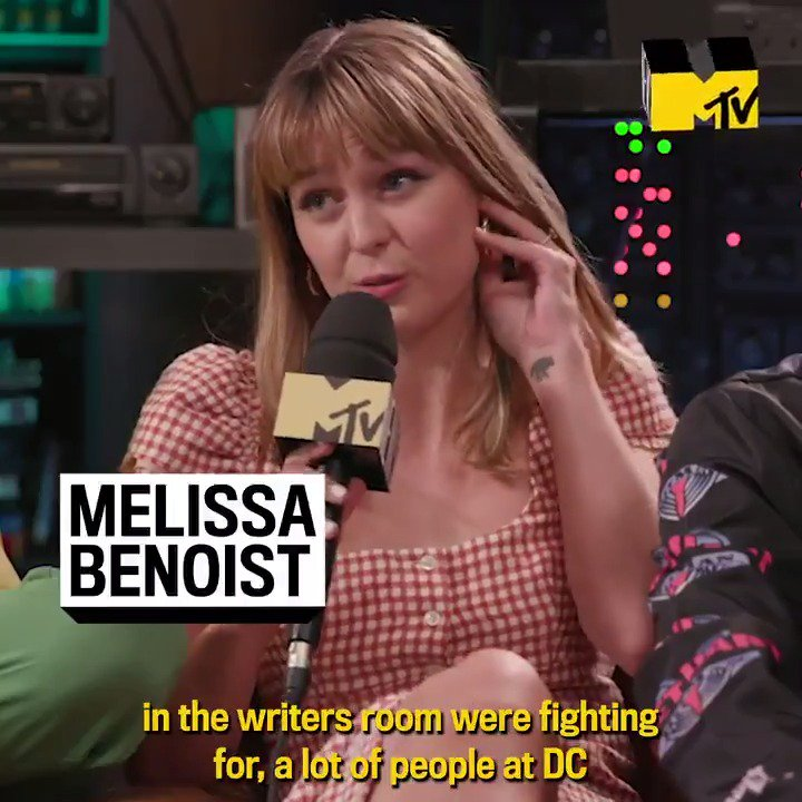 Two things @MelissaBenoist is SUPER excited about... new pants and her #Supergirl directorial debut. #SDCC 🎥
