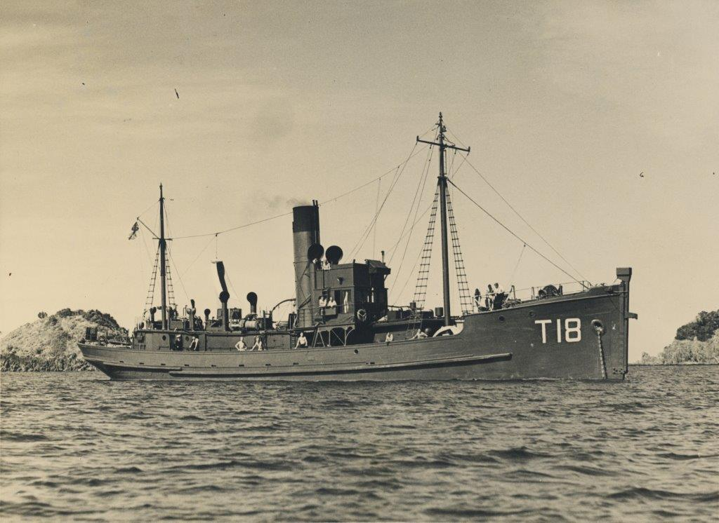 #ThisMonth in 1942 Castle Class Minesweeper HMNZS Rimu seen anchored in Hauraki Gulf - part of the SA acoustic sweeping apparatus can be seen on the bow #NZNavy #ww2 #museum #Auckland