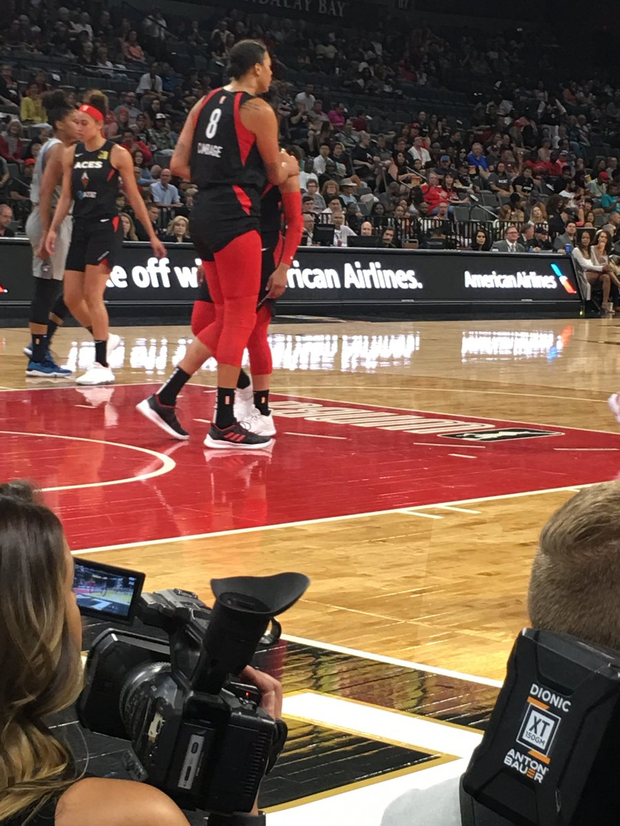 Out in hot and dusty #LasVegas ⁦@LVAces⁩ vs ⁦@minnesotalynx⁩ Always enjoy watching the ⁦@WNBA⁩