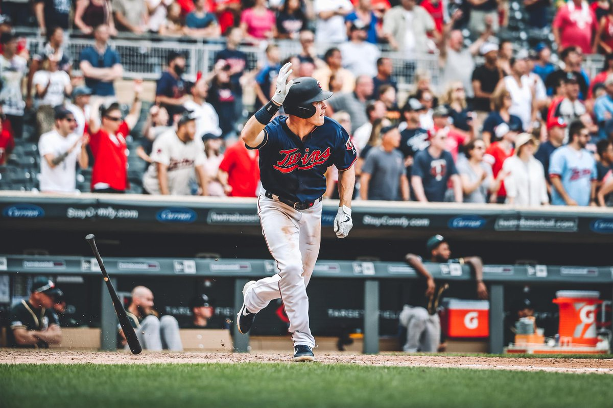 That was bat-flippin'-tastic!   #TwinsWin |#MNTwins  <br>http://pic.twitter.com/wxIVWlhNE4