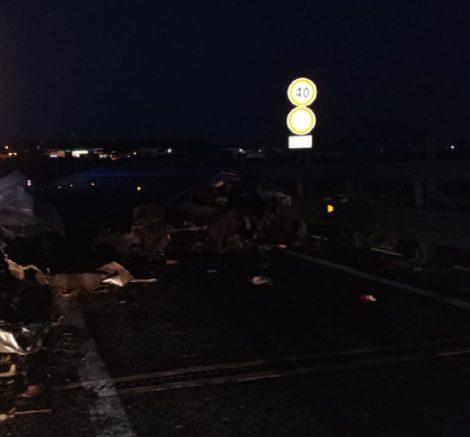 Drammatico incidente a Catania, un morto e sette feriti: quattro sono bambini - https://t.co/kTRTVzI1io #blogsicilianotizie