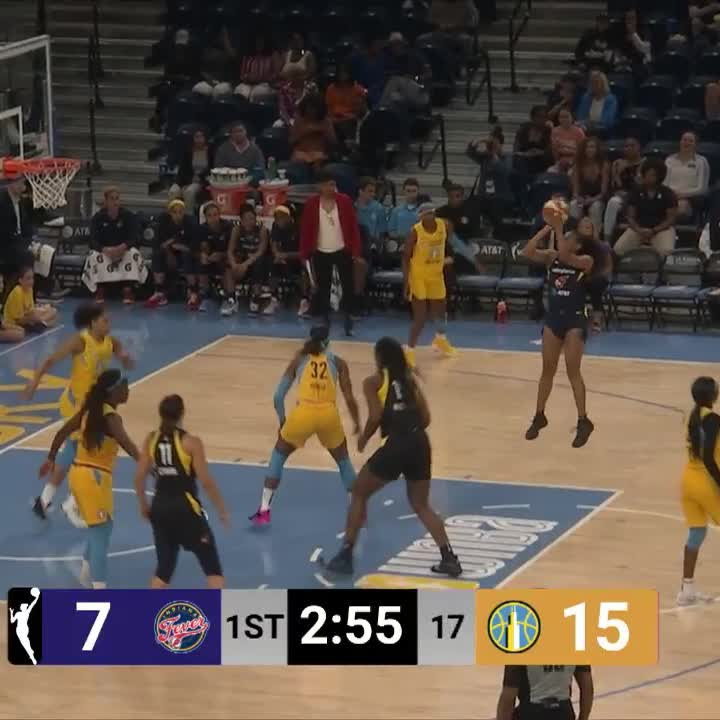 Betnijah Laney & Erica Wheeler each dropped 8 PTS to help put the @IndianaFeverup 36-27 at the break on NBA TV! 📺