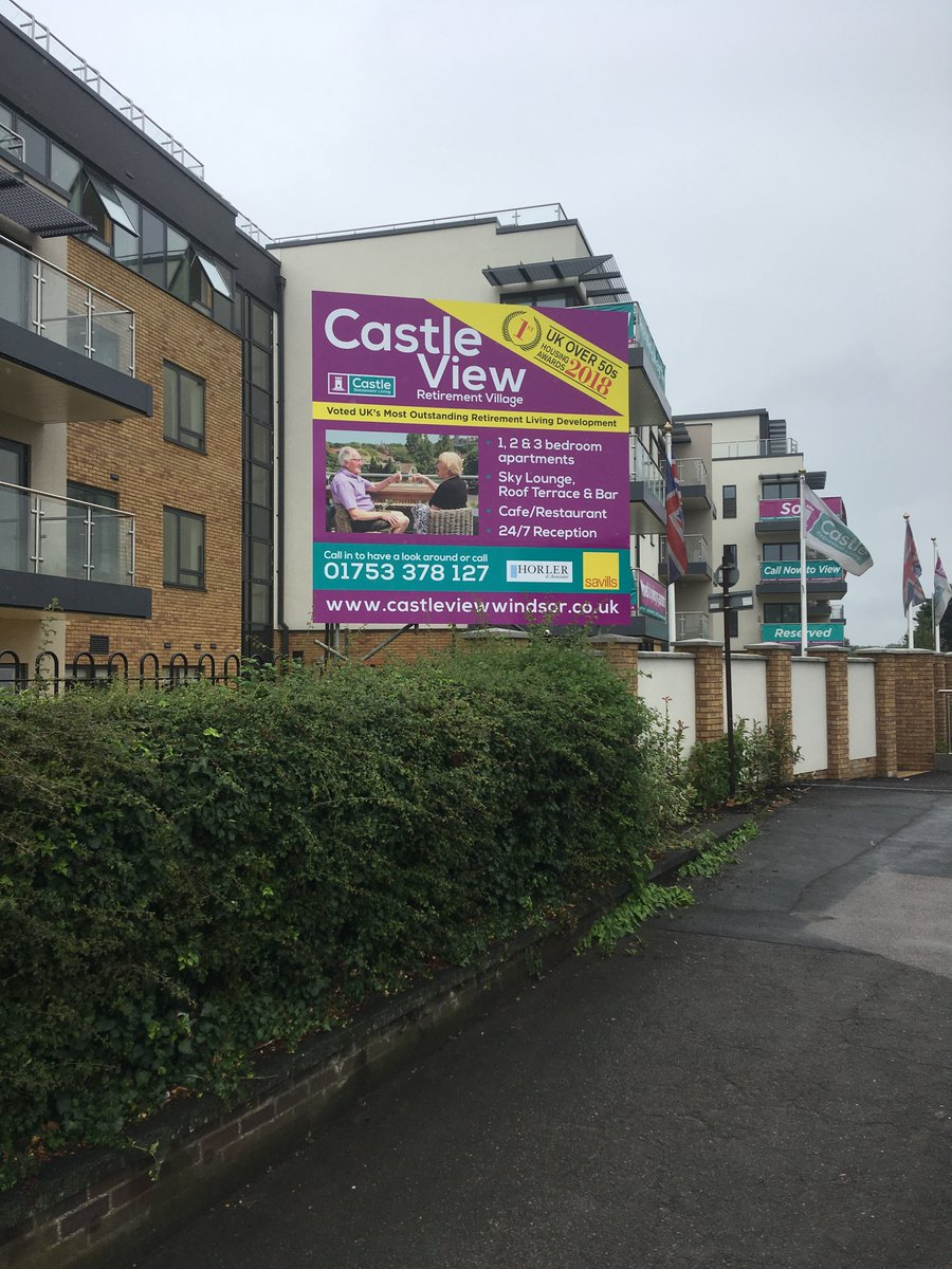 3660x3660mm #composite #Advertising #sign, #fitted onto a #scaffolding outside the new #Castle View #luxury #retirement #apartments.  Windsor Castle provided the venue and picturesque backdrop for the recent wedding of #PrinceHarry #MeghanMarkle   🖥️http://www.displaysigns.net