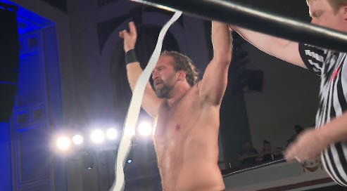🚧 @lastrealmanROH picks up the victory over PJ Black, in their heated contest, at @ringofhonor #MassHysteria !