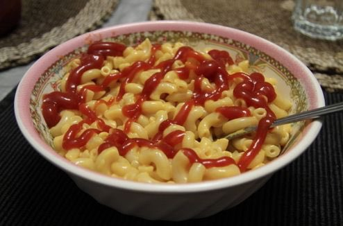 the only appropriate thing to put on mac n cheese is ketchup