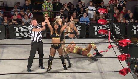 🚧 Steelz picks up the win, but #TheAllure isn't accepting of this!  #WomenofHONOR  @ringofhonor #MassHysteria