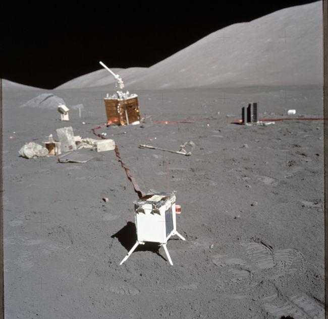 astronauts apollo 17 - 650×633