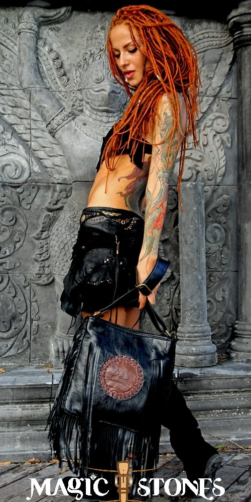 Taste is a Feminine Attitude! Vouge Leather Bag Online Shop: https://www.facebook.com/commerce/products/2835519389823166/…  #magicstonesshop #magistonesthailand #kohphangan #jewelry #onlineshop #schmuck #bijoux #joyas #leatherbag #unique #fashion #fullmoonparty #stylish #silver925 #gold18k #Sophisticated