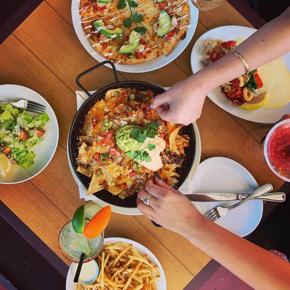 Friends + Nachos = Summer Fun #meetatmatts #mattsrotisserie #redmondwa #redmondtowncenter #nachos #happyhour #seattlefoodie