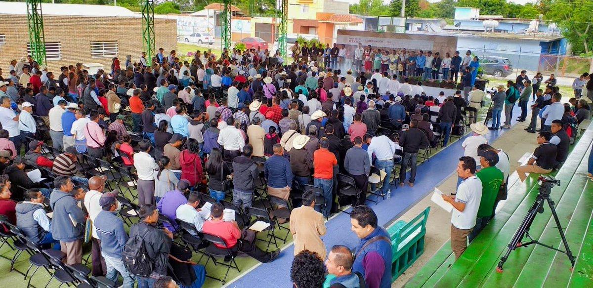 En Comitán, #Chiapas, 478 voces de Pueblos Tojol-ab'al, Chuj, Chol, Q'anjob'al, Akateco, Tseltal, Tsotsil, Mam, Poptí, Mochó, Kaqchikel y Afromexicano, exigen que se privilegie el aprovechamiento de tierras, territorios y recursos naturales a los #PueblosIndígenas sobre terceros.