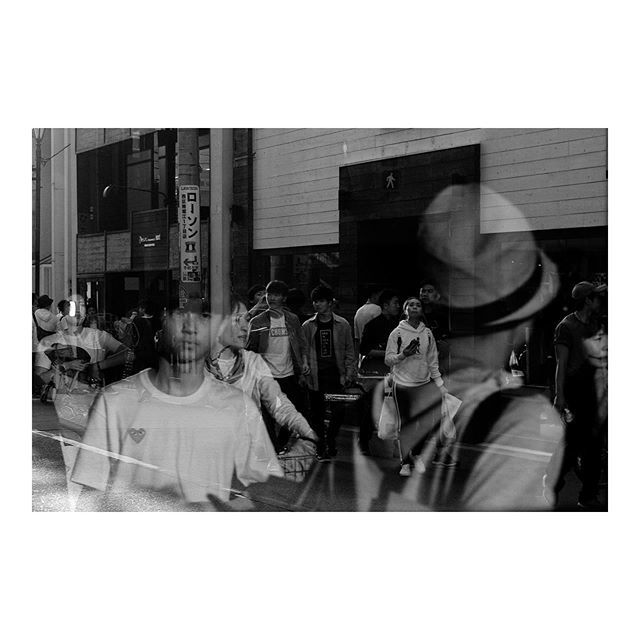 Osaka, Japan // May 2019 . . . . #streetphotography #blackandwhite #streetsinblackandwhite #japan #travelphotography #blackandwhitestreetphotography #leicam10 https://ift.tt/2JJpdgf