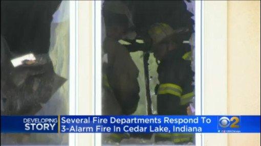 3-Alarm Fire Sweeps Through Building In Cedar Lake, Indiana chicago.cbslocal.com/2019/07/21/ced…