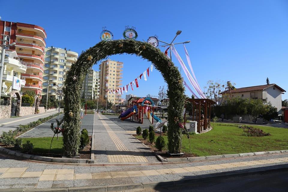 Mutlu  #Mezitli'den herkese #Günaydın 🤩  Hava 31°C ve Güneşli ☀️  Yeni umutların, güzelliklerin olduğu bir hafta olsun.🌺🌼  📍 Zehra Gürol Engelsiz Parkı