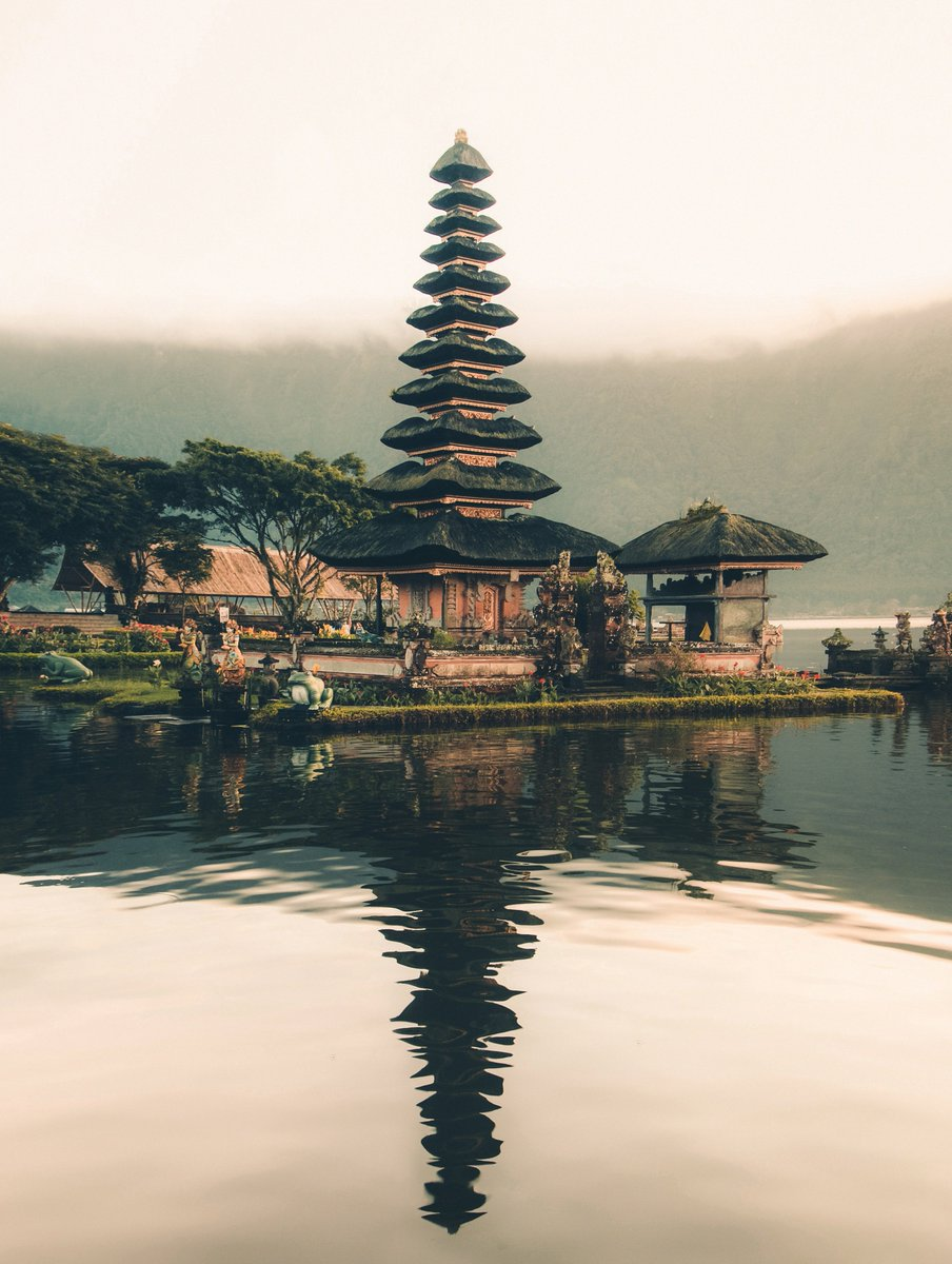 Majestic temple Photo shot by Aron Visuals IG:  http:// instagram.com/aron.visuals/     #travel<br>http://pic.twitter.com/YMwsq9vWRf