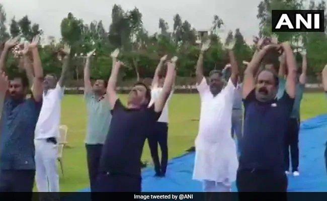 Yoga at luxury resort for BJP lawmakers waiting for Karnataka floor test. https://www.ndtv.com/karnataka-news/yoga-for-bjp-lawmakers-at-luxury-resort-as-karnataka-floor-test-looms-2073125…#KarnatakaPoliticalCrisis #KarnatakaFloorTest