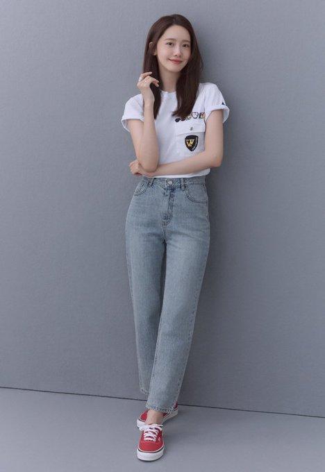 "[PHOTO] Yoona - ""EXIT"" Movie Interiew Photos EADmeNaU0AA-mxU?format=jpg&name=small"
