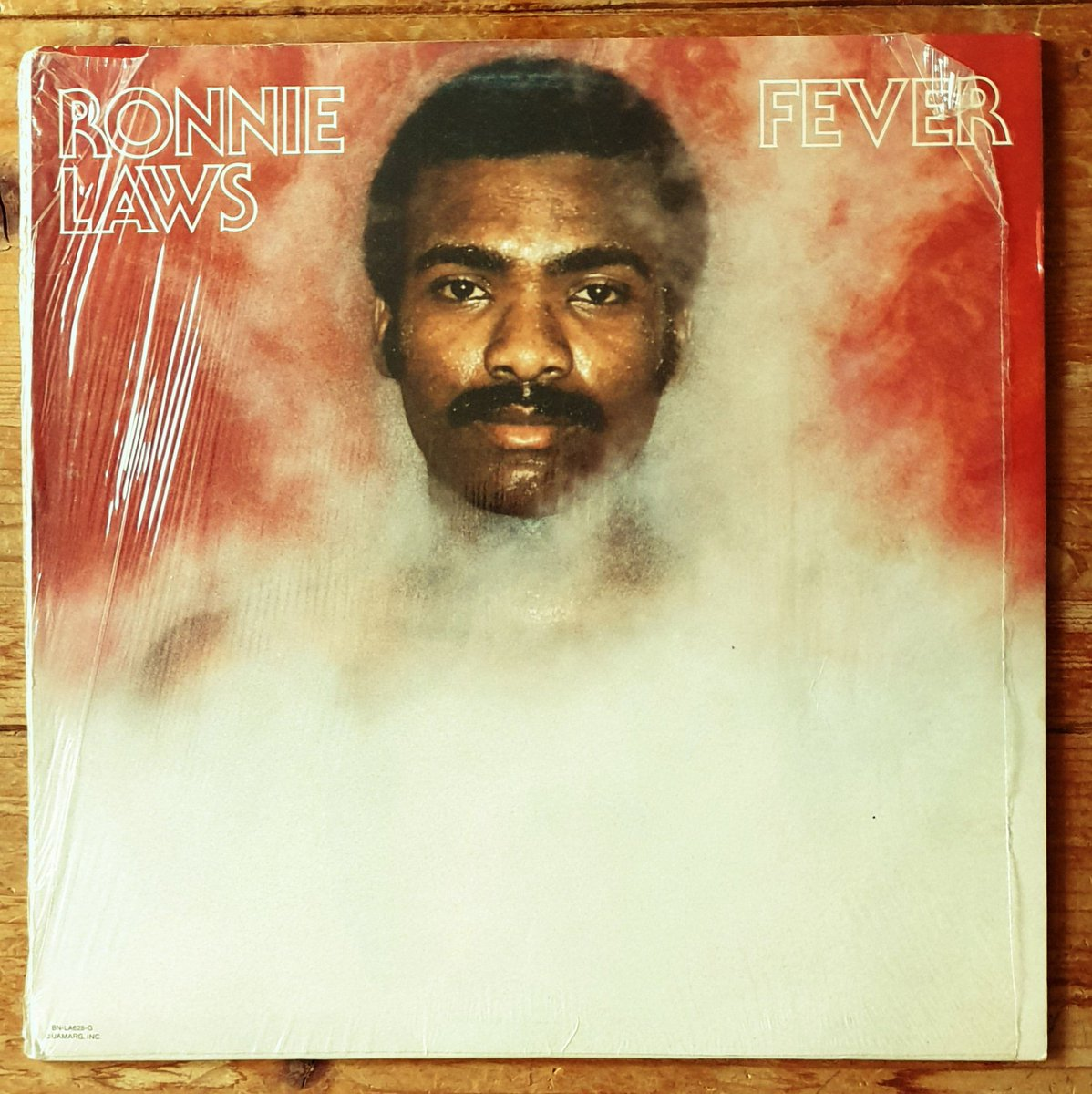 #RonnieLaws – Fever Label: #BlueNoteRecords – BN-LA628-G, At Home Productions – BN-LA628-G Format: #Vinyl #LP #Album  Country: US Released: 1976 Genre: Jazz, Funk / Soul Style: #SmoothJazz #JazzFunk #Funk  @RonnieLawsmusic