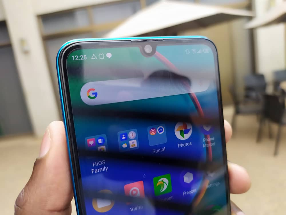 The device (Tecno Phantom 9) also has support for dual 4G enabled SIM, fuelled by a 3500mAh battery and runs on Android 9.0 (Pie) based on the latest HiOS v5.0. #UgUnleashYourVision<br>http://pic.twitter.com/eXmNgYMfc5
