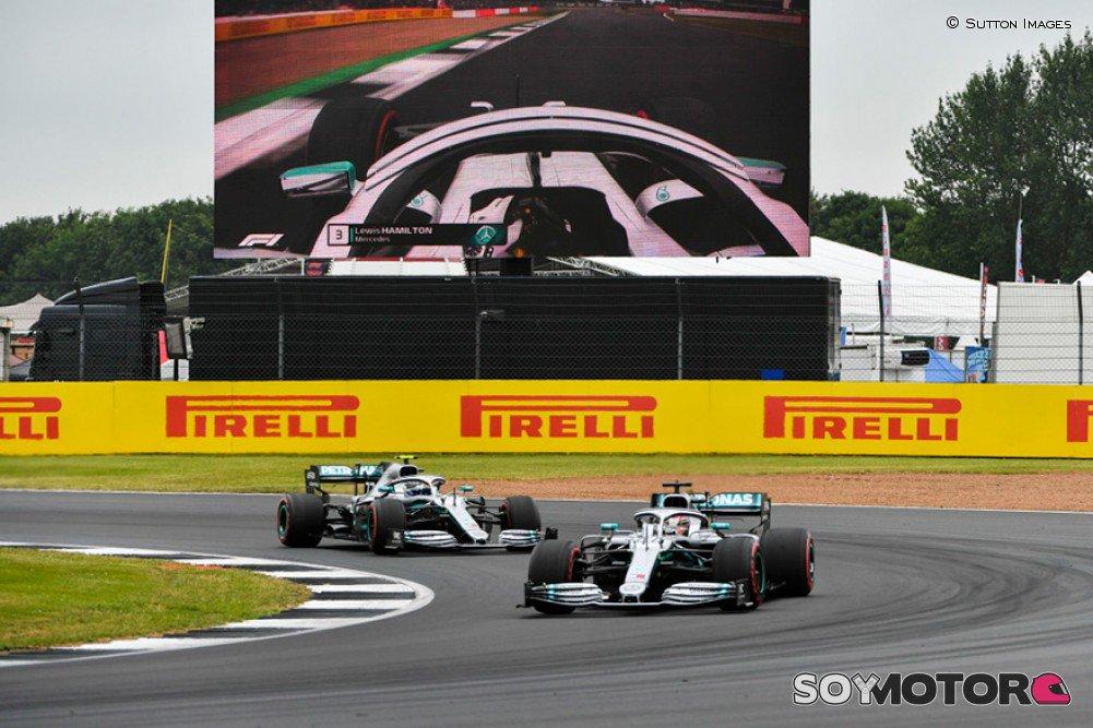 Los alerones delanteros nuevos no marcan la diferencia, según @LewisHamilton - https://bit.ly/32Sm1Xk #F1 #BritishGP