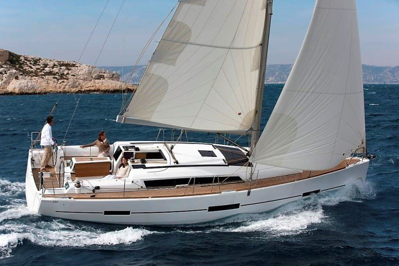 DUFOUR 410 Grand Large #Bareboat #Monohull | Length: 12.35 m #41feet A #sailingyacht which is available for bareboat and skippered charters in Greece. Comes with #3cabins and 2 toilets, ideal for group of 8. https://www.nautilia-yachting.com/boats/details/94/731-dufour410grandlarge …