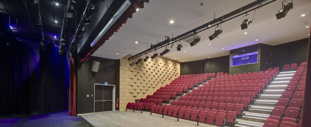 Retractable, removable and auditorium seating - Audience Systems