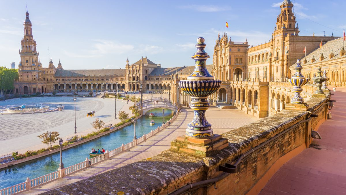 Summer in Seville: 4nts 4* incl. breakfast and flights from £245pp http://dlvr.it/R8rtBb  #Business #Motogp #F1 #Formula1 #quote #flying #Classics #Heaven