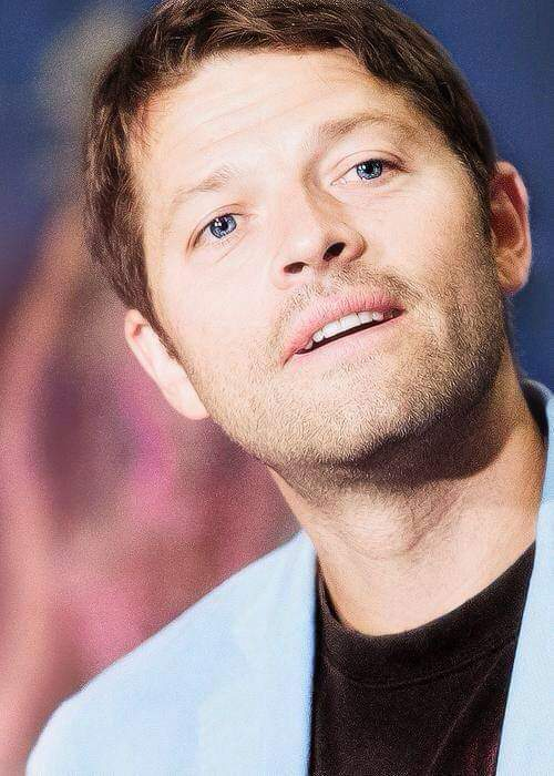 Good morning #SPNFamily #SPNFamiIy . It's Monday . I wish you all a great day and a great start to the new week <br>http://pic.twitter.com/7x4AdVcXhw