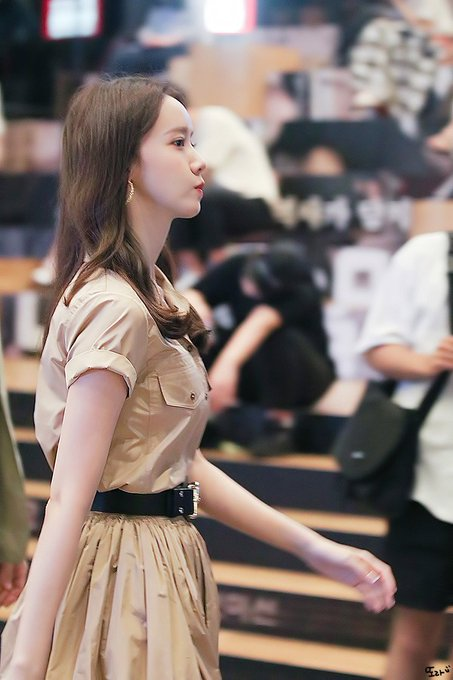 "[PHOTO] 190717 Yoona- ""EXIT"" Movie Event EAErHdDU4AAjxC0?format=jpg&name=small"