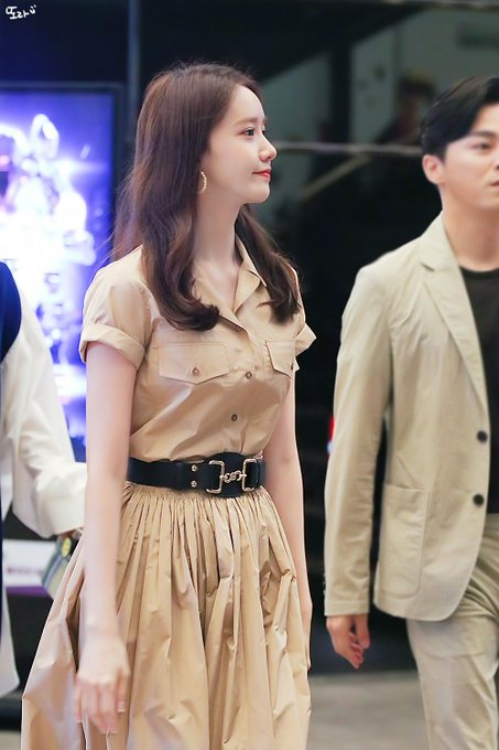 "[PHOTO] 190717 Yoona- ""EXIT"" Movie Event EAErHdGU0AAZZLm?format=jpg&name=small"
