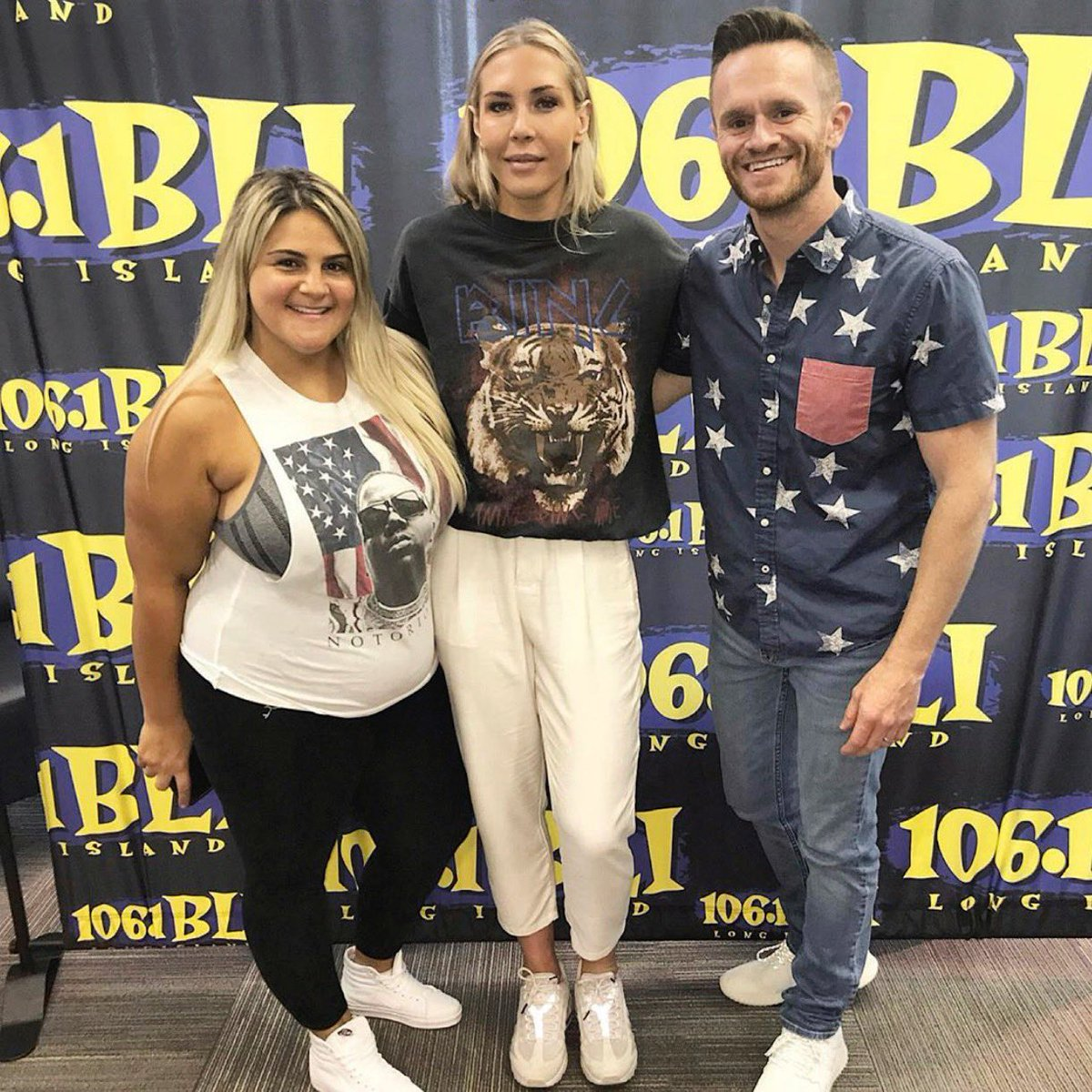 7 am @1061BLI we talk all things @USWNT including twerking, potential diamond companies for a new diamond ring and of course Equal Pay. 🇺🇸❤️ Thanks for having me @MJonAir @SykeOnAir @Epic_Records