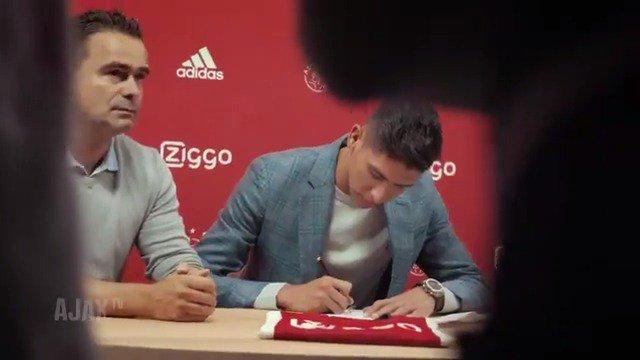 Esta es la bienvenida del Ajax para Edson Álvarez