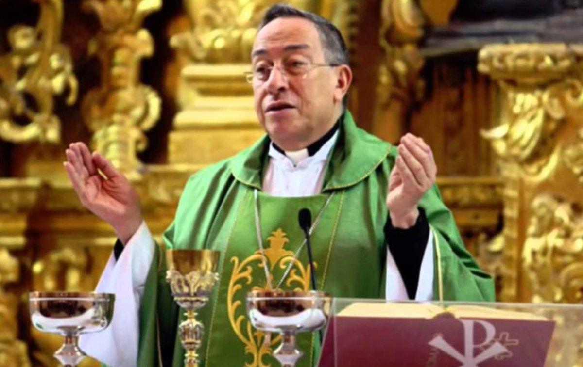 Cardenal Óscar Andrés Rodríguez, explotó por los altos cobros de la energía eléctrica en #Honduras.  Aquí sus declaraciones http://ow.ly/2Ujl30pboxC