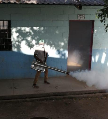 #HoyMismo  #Honduras  #Titulares Cifra de #dengue se ha vuelto alarmante en la última semana en la capital.