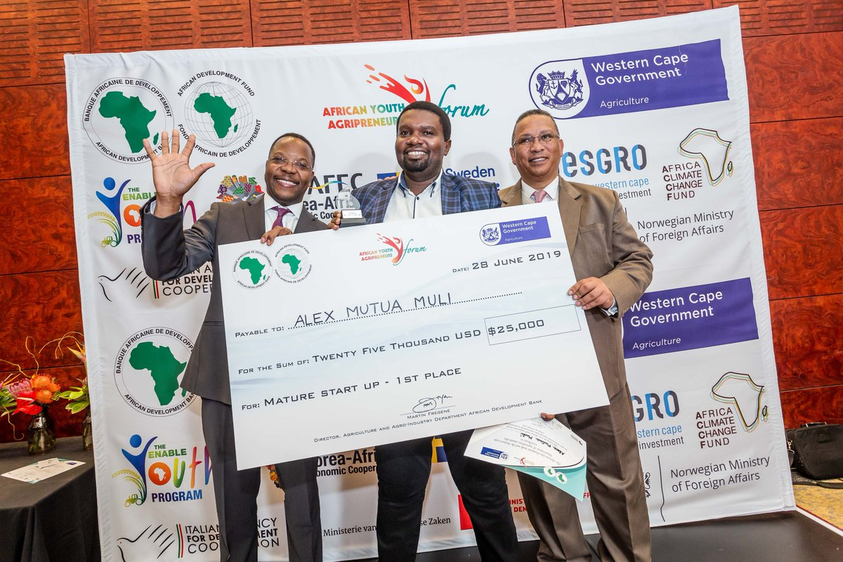 #YOUTH #agripreneur-s from across #Africa win $74,000 @AfDB_Group's AgriPitch competition & bootcamp #AYAF2019 with mentorship over the next year. https://www.afdb.org/en/news-and-events/press-releases/re-writing-african-narrative-agriculture-ecosystems-we-will-be-there-soon-says-kenyan-winner-agripitch-competition-25956…