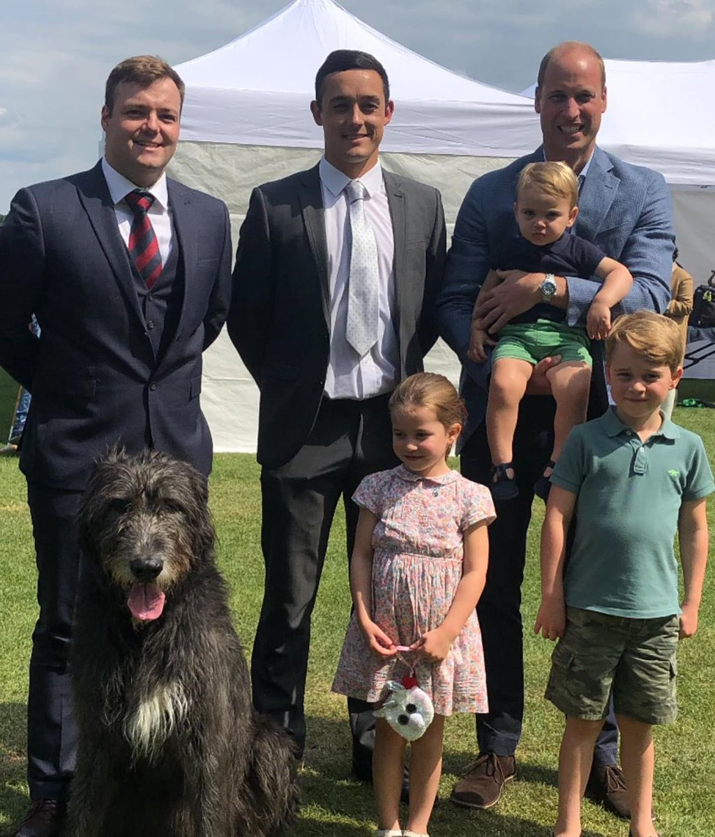The Army In London, including @irish_guards Wolfhound mascot Domhnall, is wishing HRH Prince George a very happy 6th birthday today. Our Soldiers are always on duty, ready to serve! #PrinceGeorge<br>http://pic.twitter.com/JKrUja4GNL
