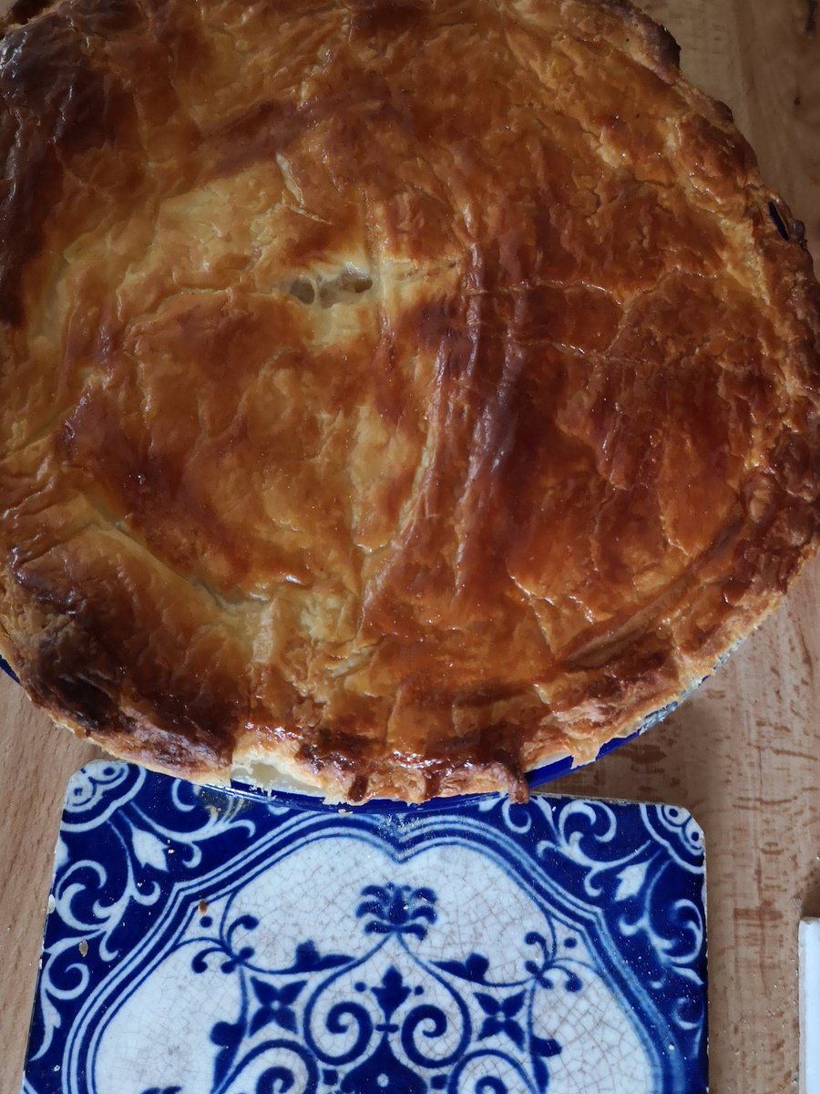 Monday morning #baking  Chicken, pale ale and chicory pie. <br>http://pic.twitter.com/vJc9o472Rr