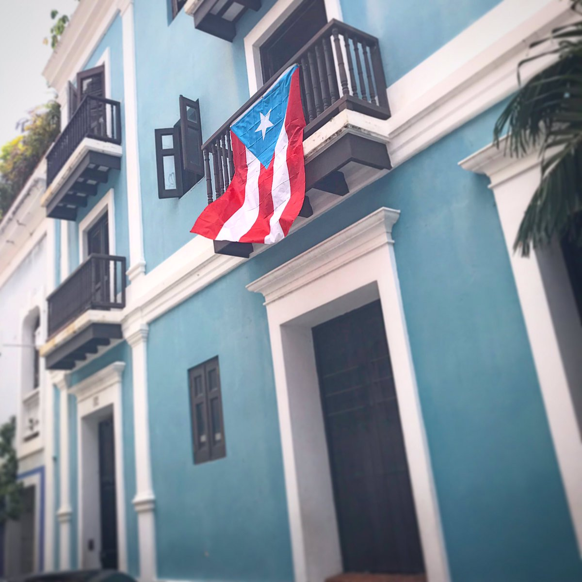 All men recognize the right of revolution; that is, the right to refuse allegiance to, and to resist, the government, when its tyranny or its inefficiency are great and unendurable.  Henry David Thoreau #rickyrenuncia #paronacional<br>http://pic.twitter.com/MhZ5KSFpkj