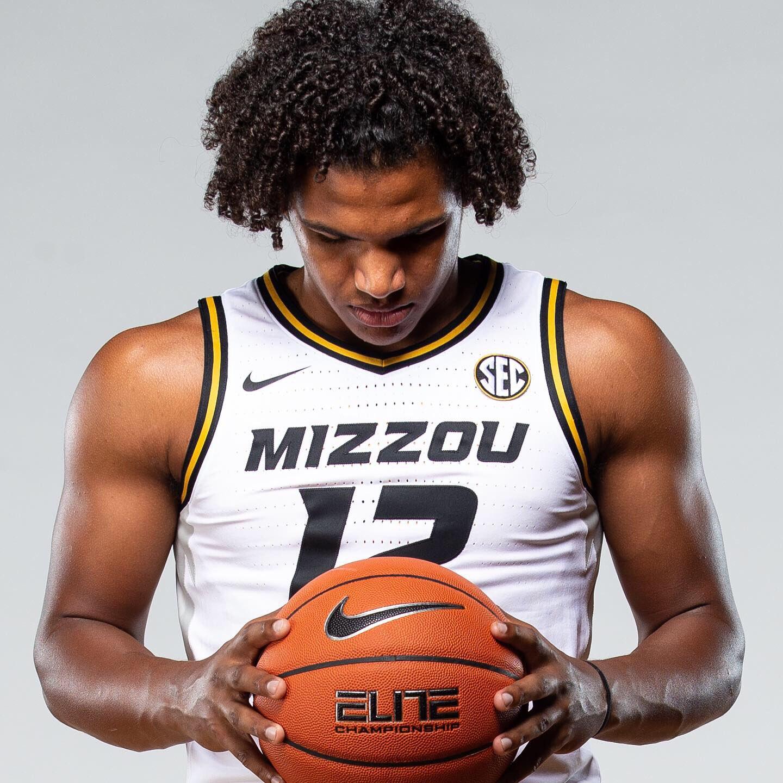 Missouri Tigers NCAA Basketball: 📸 Photoshoot sneak peek 👀  #ToTheFinishL.  Tweet by @MizzouHoops
