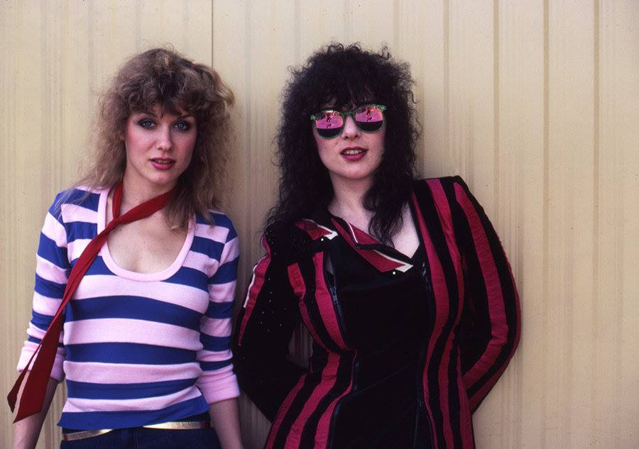 Playin' it cool backstage in the 80s..  . . #heartmusic #annwilson #nancywilson #hearttimemachine<br>http://pic.twitter.com/fdq0wlrgrF