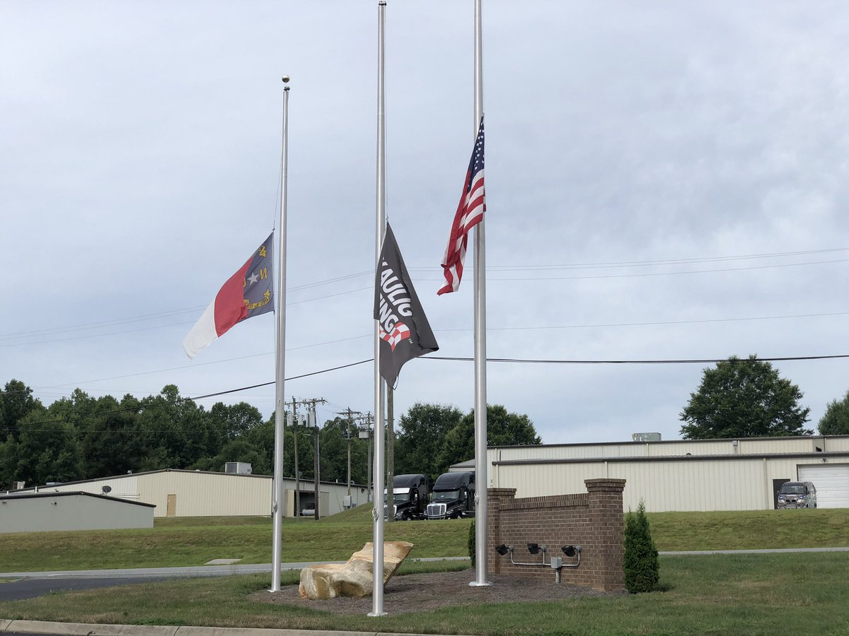 The flags are flying at half-staff @KauligRacing today in honor of Nick Harrison. <br>http://pic.twitter.com/EM2mo3BSNO