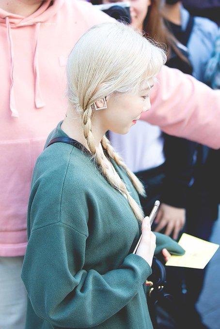 [PHOTO] 190505 Taeyeon - Yuri's Musical Venue  EAFfQMOUcAAZcAj?format=jpg&name=small