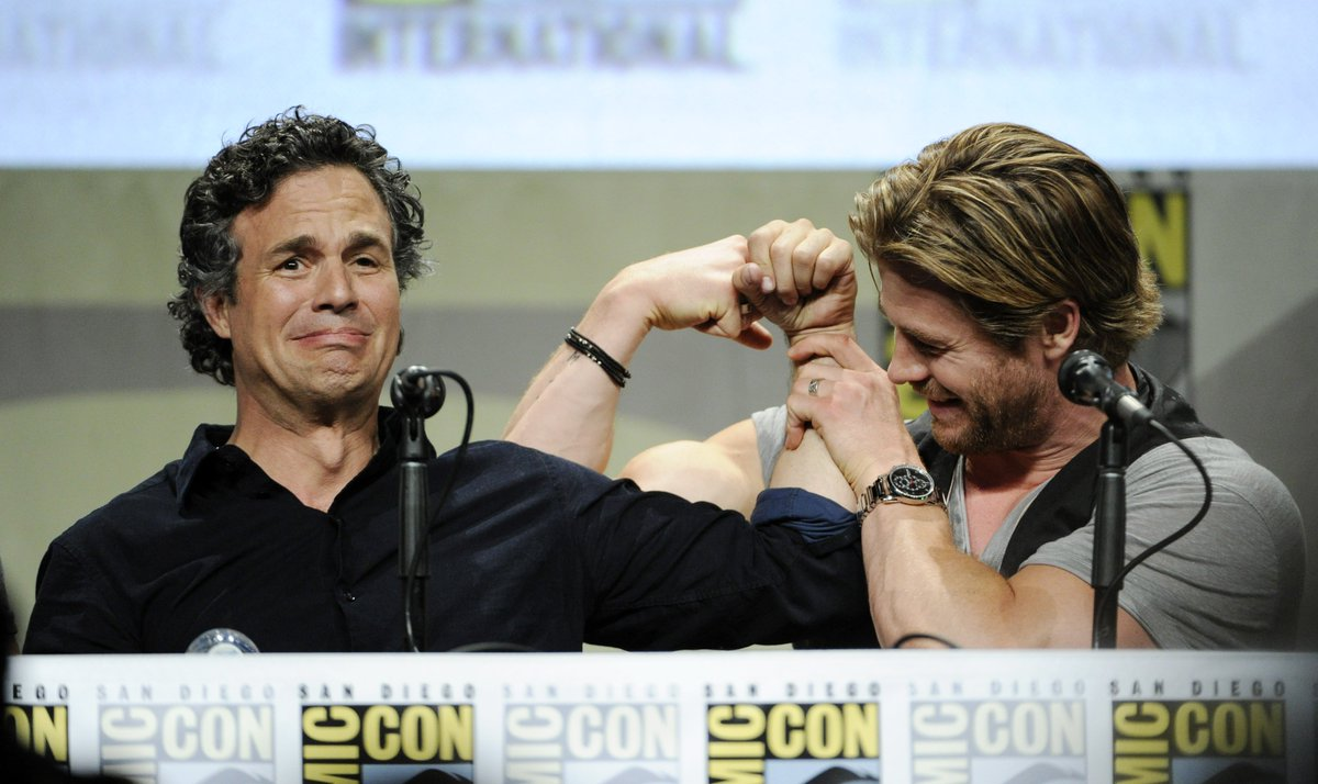 Mood when #SDCC is over but also when @chrishemsworth insists on comparing muscles  #throwback <br>http://pic.twitter.com/pJ23XvDN3Z