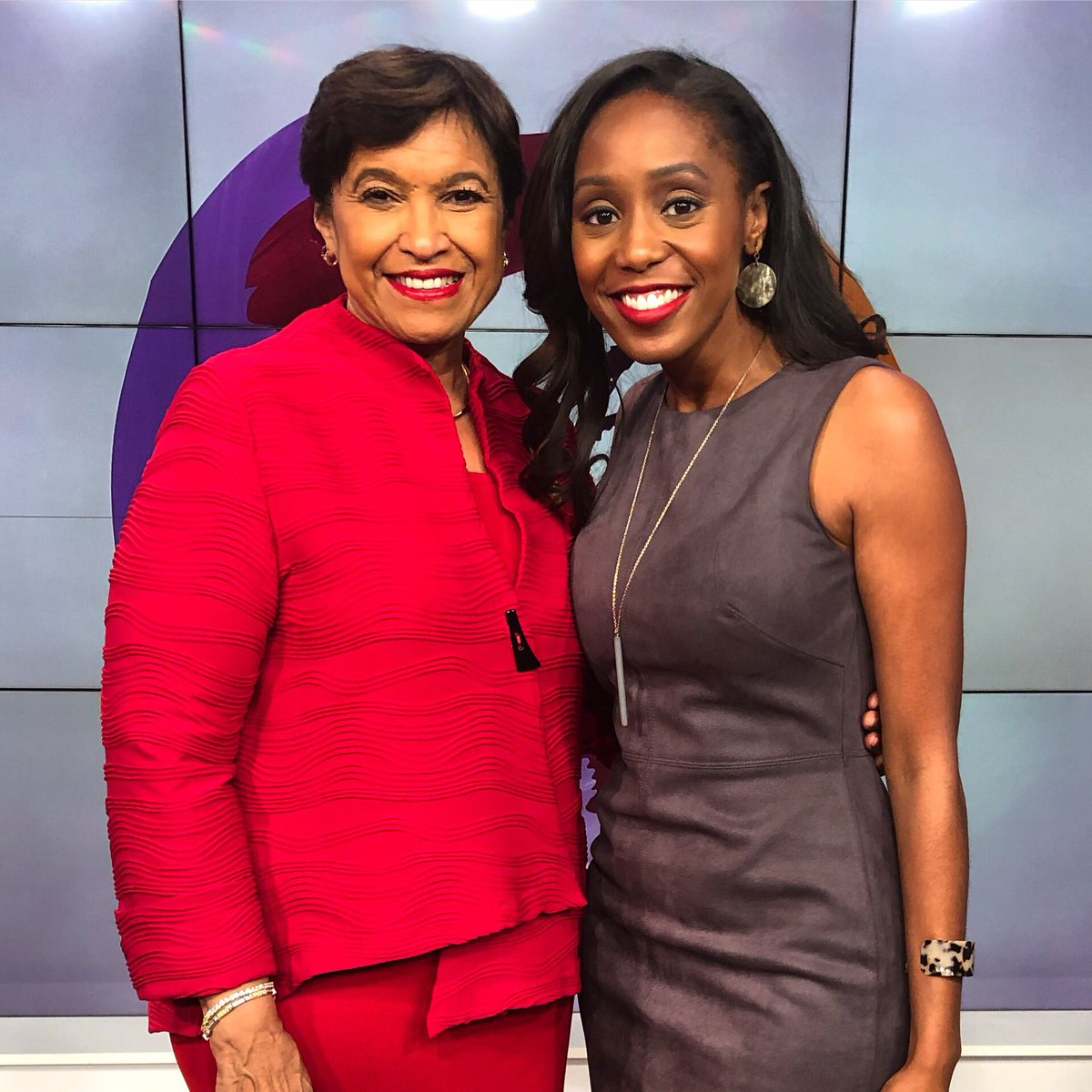 When your National President is in the building you've got to say hi! So wonderful to meet Soror Beverly Smith, National President of Delta Sigma Theta Sorority, Inc! She stopped by our studios for an appearance on @sistercircletv! Watch at 12pm on TVOne! @dstinc1913 #DST1913 ❤️