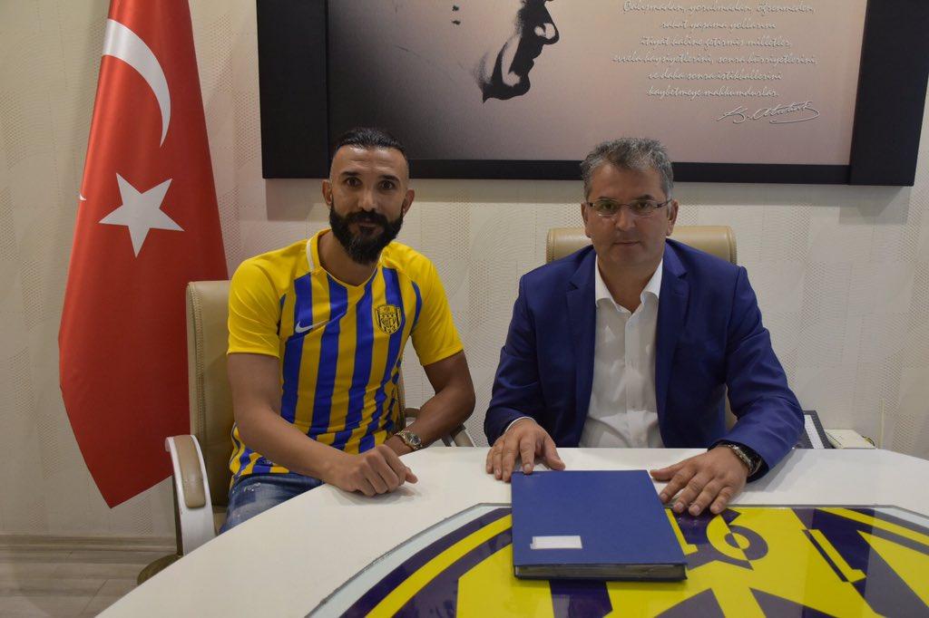 Ankaragücü, Yalçın Ayhan ile 1 yıllık sözleşme imzaladı.