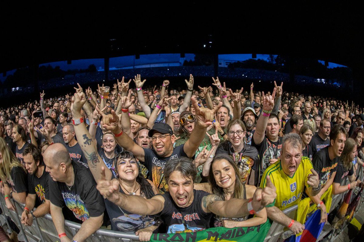 UP THE IRONS  It was an honor to rock with @IronMaiden! #LegacyOfTheBeastTour   by @photorushin<br>http://pic.twitter.com/4TmmtyjD5E