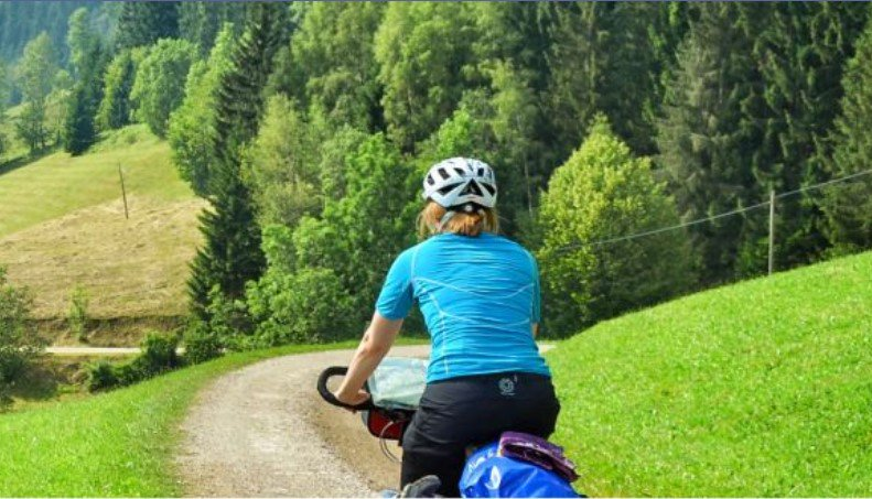 Haven't planned your holidays yet? What about discovering Europe by #bike and riding along one of the 15 #EUfunded long distance Europe-wide #cycle routes 🚵‍♀️🚵‍♂️? Check out the #EuroVelo networks and select the route for your next adventure! 👉 http://eurovelo.com