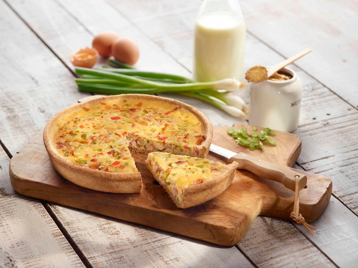 Sometimes, it's the simple things in life, like crisp, buttery pastry and rich bacon-loaded fillings.   Make quiche to perfection every time with our specifically developed, ready-to-fill #pastry cases! Available in different sizes and styles to suit all #menus.